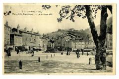 Isère Voiron Place de la République animé - Voiron