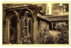 Loire Charlieu Abbaye Bénédictine Cloître du XVème - Charlieu
