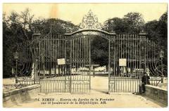 Gard Nîmes Entrée du Jardin de la Fontaine sur le Bld de la République - Nîmes