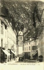 Isère Pont-en-Royans Une rue animé - Pont-en-Royans