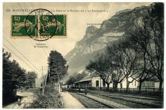 Savoie Montmélian La gare et Rocher dit La Savoyarde animé - Montmélian