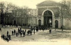 Var Toulon La Sortie des Ouvriers de l'Arsenal Porte Castigneau - Toulon