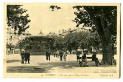 Var Toulon Un coin de la Place d'Armes animé - Toulon