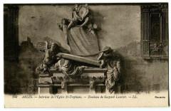 Bouche du Rhône Arles Intérieur de l'Eglise St-Trophime - Arles