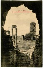 Bouche du Rhône Arles un Coin des Ruines du Théâtre Romain - Arles