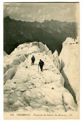 Haute-Savoie Chamonix Traversée du Glacier des Bossons animé - Vers