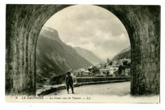 Hautes-Alpes La Grave vue du Tunnel animé - La Grave