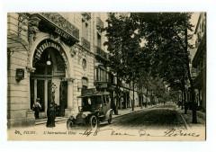 Auvergne 03 Allier Vichy L'International Hôtel animé voiture - Vichy