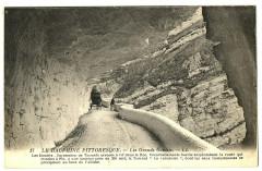 26 Drôme Les Grands-Goulets succession de tunnels animation 26 Saint-Martin-en-Vercors