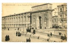 Herault Montpellier Arc de Triomphe et Palais de Justice animé - Montpellier