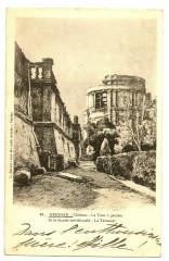 Drôme Grignan Château la Tour à gauche de la Façade Méridionale - Grignan