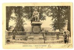 Jura Arbois Statue de Pasteur animé - Arbois