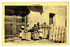 Hautes-Alpes Saint-Véran Anciens Costumes du Qeyras animé - Saint-Véran