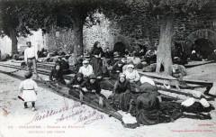 Collioure - Femmes De Pecheurs Rapiecant Les Filets - Collioure