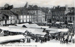 Mayenne Le Marche Place Des Halles (BELLE Cpa Animee - Mayenne