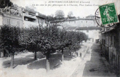 Aubeterre Sur Dronne Place Ludovic Trarieux (cpa animée) - Aubeterre-sur-Dronne
