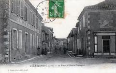 Vic-Fezensac La Rue Du General Cassagnol (JOLIE Cpa Animee - Vic-Fezensac