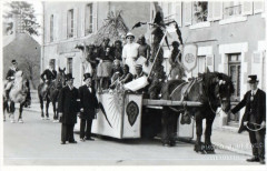 Carte Photo Fay Aux Loges Carnaval Char Des Colonies (GROS Plan - Fay-aux-Loges