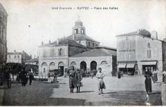 Ruffec Place Des Halles (cpa animée - Ruffec