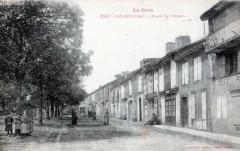 Vic Fezensac Place Du Foirail  (cpa animée - Vic-Fezensac