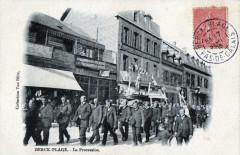 Berck Plage La Procession (Cpa Animee - Berck