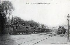 En Gare De Saint Dizier ( 2 Trains En Gare - Saint-Dizier