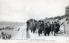 Berck Plage 19 Mai 1913 Madame Raymond Poincare Se Rend Par La Digue Au M 62 Berck
