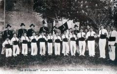 Pelissanne Le Pelican Groupe De Farandoles Et Tambourinaires  (Gros Plan - Pélissanne