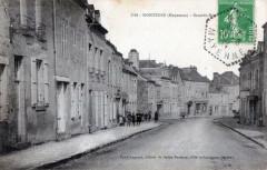 Montsurs Grande Rue (Cpa Anime - Montsûrs