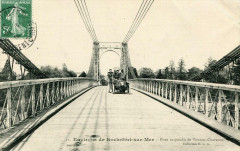 Env.rochefort Sur Mer Pont Suspendu De Tonnay Charente (avec voiture rare - Rochefort