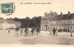 Louviers Place Du Champ De Ville (cliché pas courant (Scan Recto Verso - Louviers