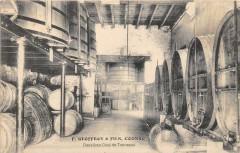 F.geoffroy Et Fils Cognac Deuxieme Chai De Tonneaux (cpa pas courante - Cognac