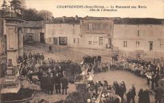 Champdeniers Le Monument Aux Morts Fete De L'Armistice (cpa rare - Champdeniers