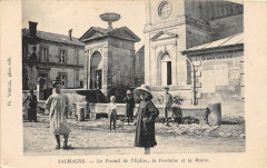 Salmagne Le Portail De L'Eglise La Fontaine Et La Mairie (cpa rare - Salmagne