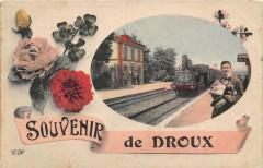 Rare Cpa Illustree Avec Un Train En Gare Souvenir De Droux - Droux