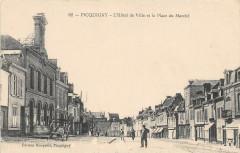 Picquigny L'Hotel De Ville Et Place Du Marche - Picquigny