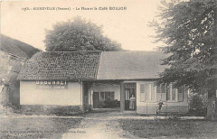 Aigneville La Place Et La Cafe Goujon (cpa rare - Aigneville