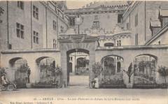 Leran Cour D'Honneur Chateau Levis Mirepoix (dos non divisé) - Léran