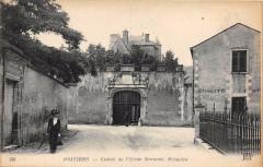 Poitiers Entree De L4ECOLE Normale Primaire (cpa pas courante - Poitiers