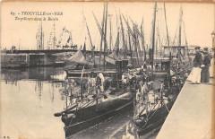 Trouville Sur Mer Torpilleurs Dans Le Bassin (cliché pas courant - Trouville-sur-Mer