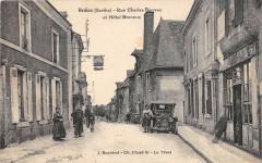 Brulon Rue Charles Barreau Et Hotel Brennus (cpa pas courante - Brûlon