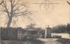 Saint Fort Sur Gironde La Fontaine Lavoir (cliché pas courant - Courant