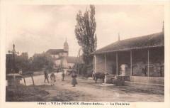Vy Le Ferroux La Fontaine (cpa pas courante - Vy-le-Ferroux
