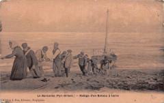 Le Barcares Halage D´UN Bateau A Terre (cpa Fau émail - Err