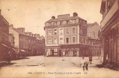 Lisieux Place Fournet Et Rue De Livarot (cpa pas courante - Lisieux