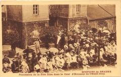 Hospices De Beaune Procession De La Fete Dieu Cour D'Honneur - Beaune