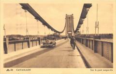 Cavaillon Sur Le Pont Suspendu - Cavaillon