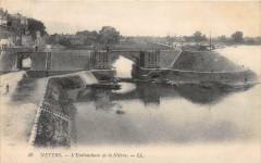 Nevers L'Embouchure De La Nievre - Nevers