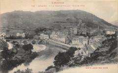 Estaing Le Pont Et Village Vue Est - Estaing