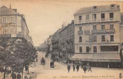 03 Vichy Place Des Quatre Chemins Rue De Paris - Vichy